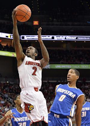 No. 3 Louisville blows out Hofstra, 97-69