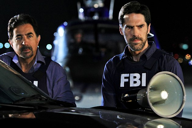 """It Takes A Village"" -- Rossi (Joe Mantegna) and Hotchner (Thomas Gibson) attempt to locate a suspect, on the seventh season premiere of CRIMINAL MINDS, Wednesday, Sept. 21 (9:00-10:00 PM, ET/PT) on t"