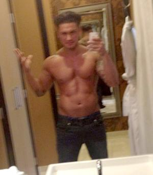 PIC: Pauly D Proves He Has Rock-Hard, Chiseled Bod in New Shirtless Photo
