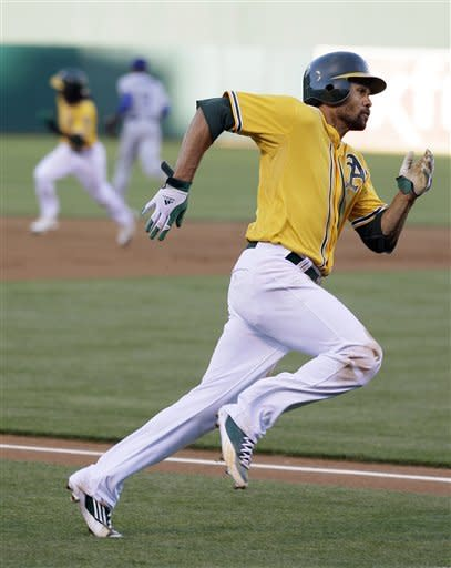 McCarthy outpitches Harang, A's beat Dodgers 3-0