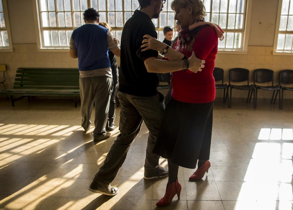 Tango therapy lifts spirits of Argentine mental patients