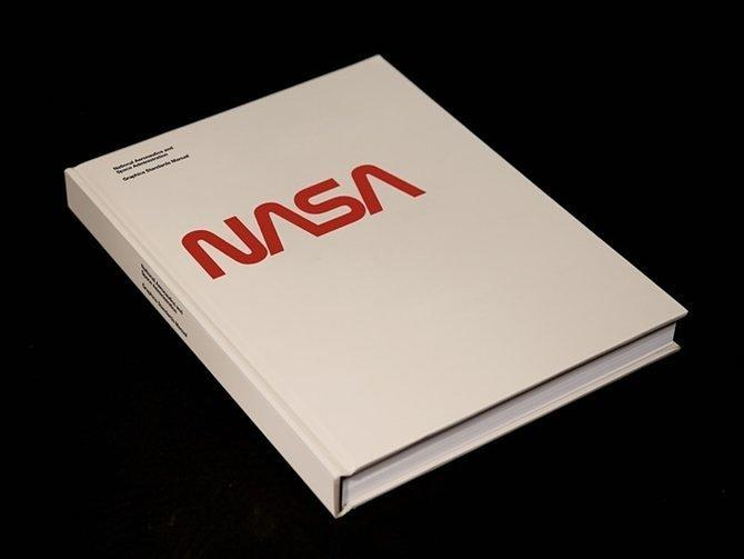 People Are Unaccountably Nostalgic For the Old NASA Logo