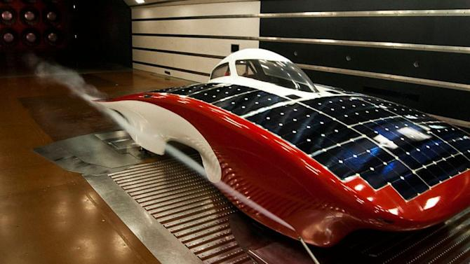 Students Build a Solar Car to Race in the Australian Outback
