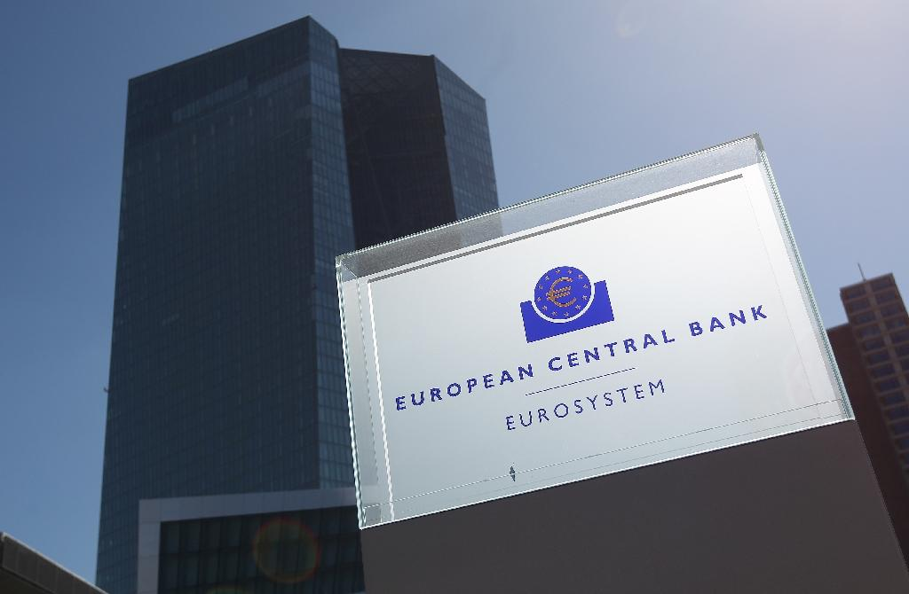 ECB sees no need to taper QE, minutes show