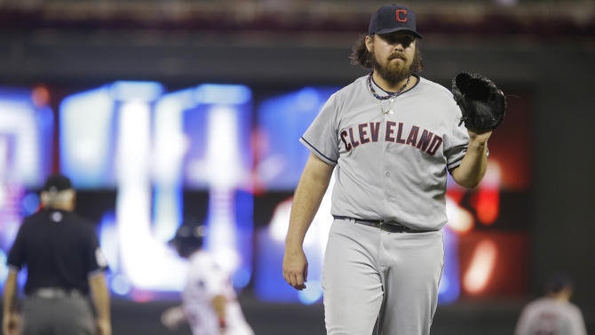 Chris Perez loses role as Indians' closer