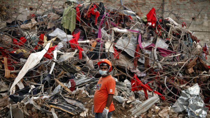 Bangladesh collapse search over; death toll 1,127