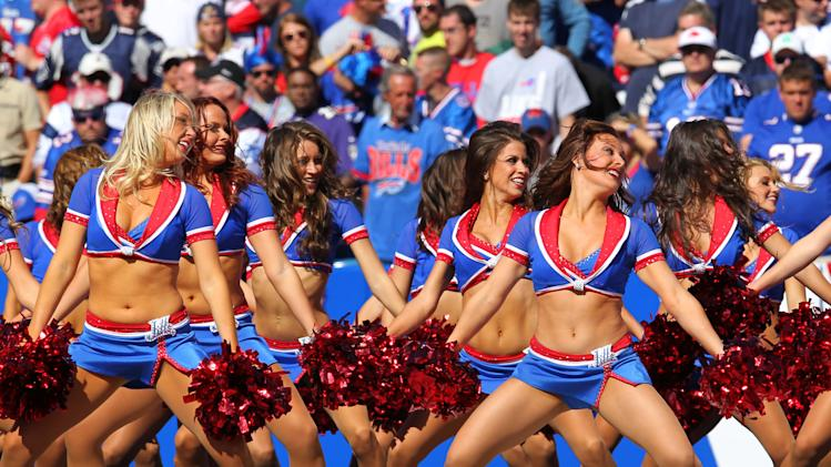 Bills cheerleaders file suit against team over pay, harassment