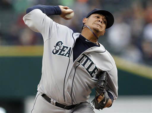 Hernandez and Mariners beat slumping Tigers 9-1