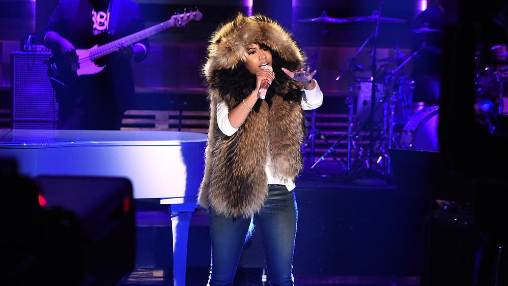 Nicki Minaj's 'Pinkprint' Debuts at No. 2, Swift Reclaims Top Spot on U.S. Album Char
