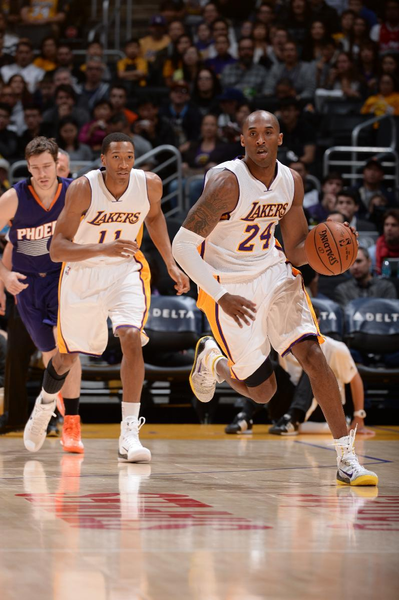 Suns hold off Lakers 116-107 for 6th straight win