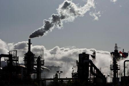 Carbon limits to put $2 trillion of coal, oil, gas projects at risk: report