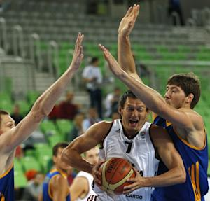 Serbia, Latvia win at European championship