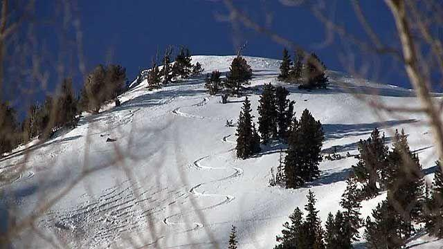 Hero rescues skier from avalanche in Utah