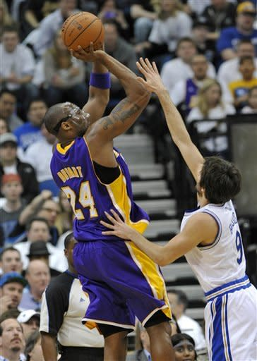 Bryant's 34 points lift Lakers over Wolves