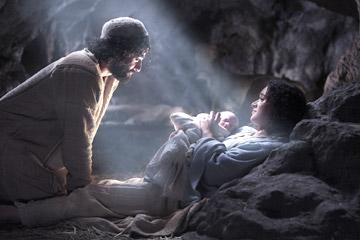 Oscar Isaac as Joseph and Keisha Castle-Hughes as Mary in New Line Cinema's The Nativity Story