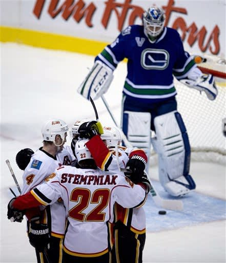 Canucks surge to 5th straight win with 5-1 victory