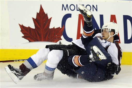 Hall scores in 3rd, Oilers beat Avalanche 3-2