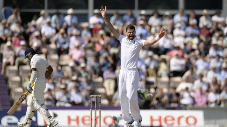 England's Anderson celebrates after dismissing India's Shami during the third cricket test match at the Rose Bowl cricket ground, Southampton, England July 30, 2014.