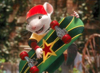 Stuart Little ( Michael J. Fox ) engages in extreme sports activities in Stuart Little 2