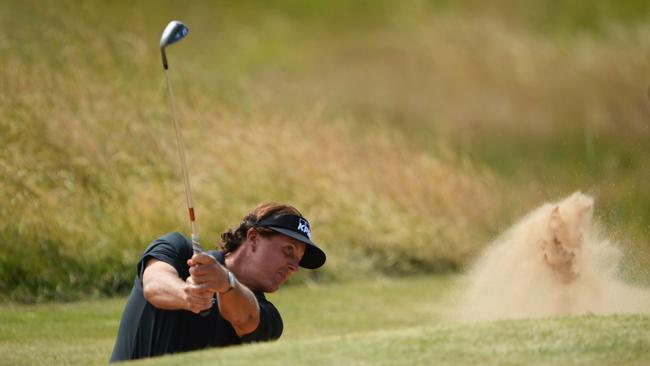 Phil Mickelson becomes third to qualify for 2013 PGA Grand Slam of Golf