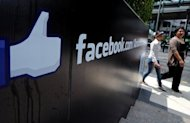 Facebook on Friday began letting its more than 900 million members vote whether they approve of privacy policy changes introduced last month before the social network&#39;s stock market debut