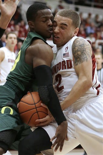 Stanford beats No. 10 Oregon 76-52 behind Randle