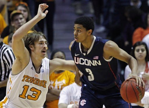Stokes leads Tennessee over No. 13 UConn 60-57