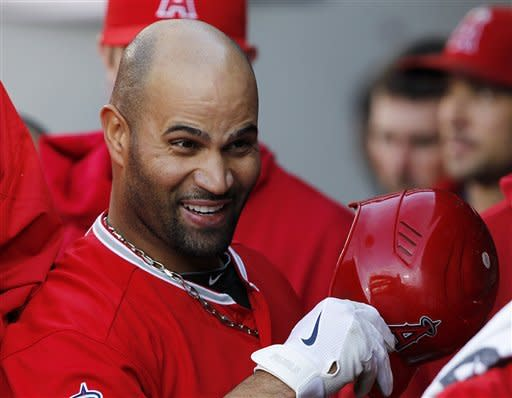 Pujols homers, Haren tosses gem in Angels 3-0 win