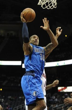 Mavericks start fast, beat Hornets 87-74