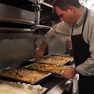 Five-star chef cooks for the homeless
