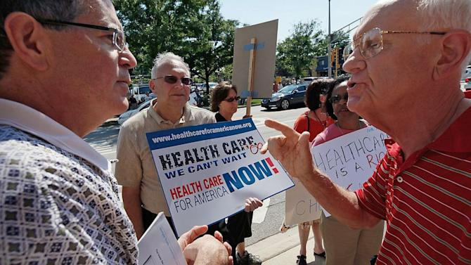 Tea Party Blasts Lawmakers for Fearing Town Hall Obamacare Fight