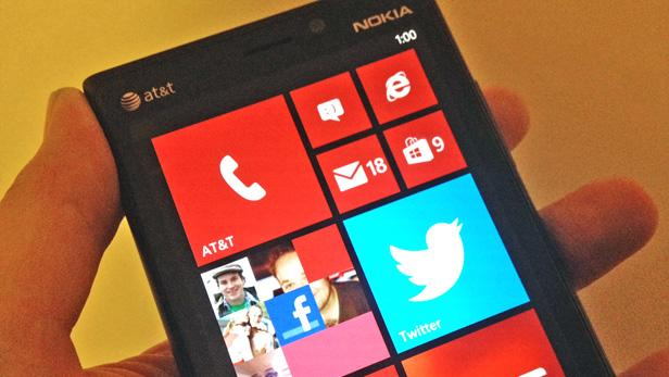 Microsoft Sends Rep Out to Personally Dis the iPhone, Android [VIDEO]