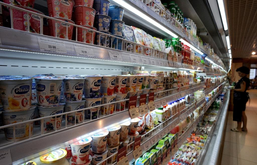 Russian supermarkets freeze prices for inflation-weary shoppers
