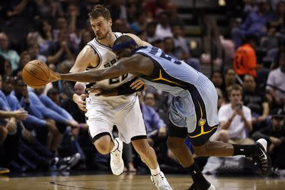 NBA scores 2015: Grizzlies suffer another lopsided loss, Suns' playoff hopes on last leg