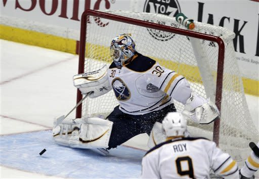 Miller's 4th shutout leads Sabres past Ducks, 2-0