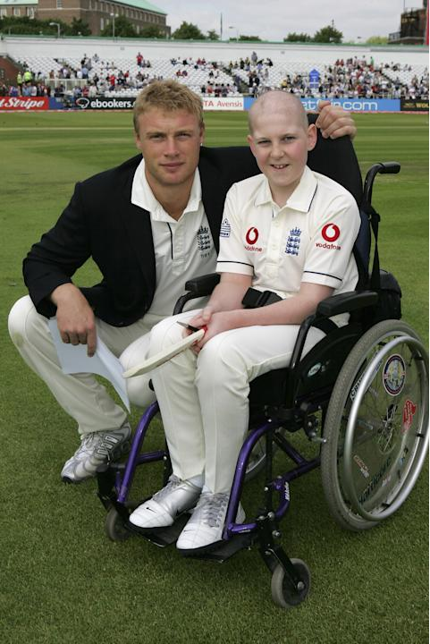 NOTTINGHAM, UNITED KINGDOM - JUNE 02: Andrew Flintoff of England poses with Mascot Darren Woodhouse during day one of the third npower test match between England and Sri Lanka at Trent Bridge, on June