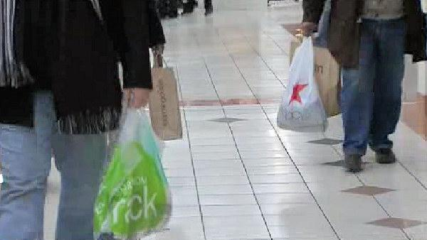 Shoppers flock to stores for last minute gifts