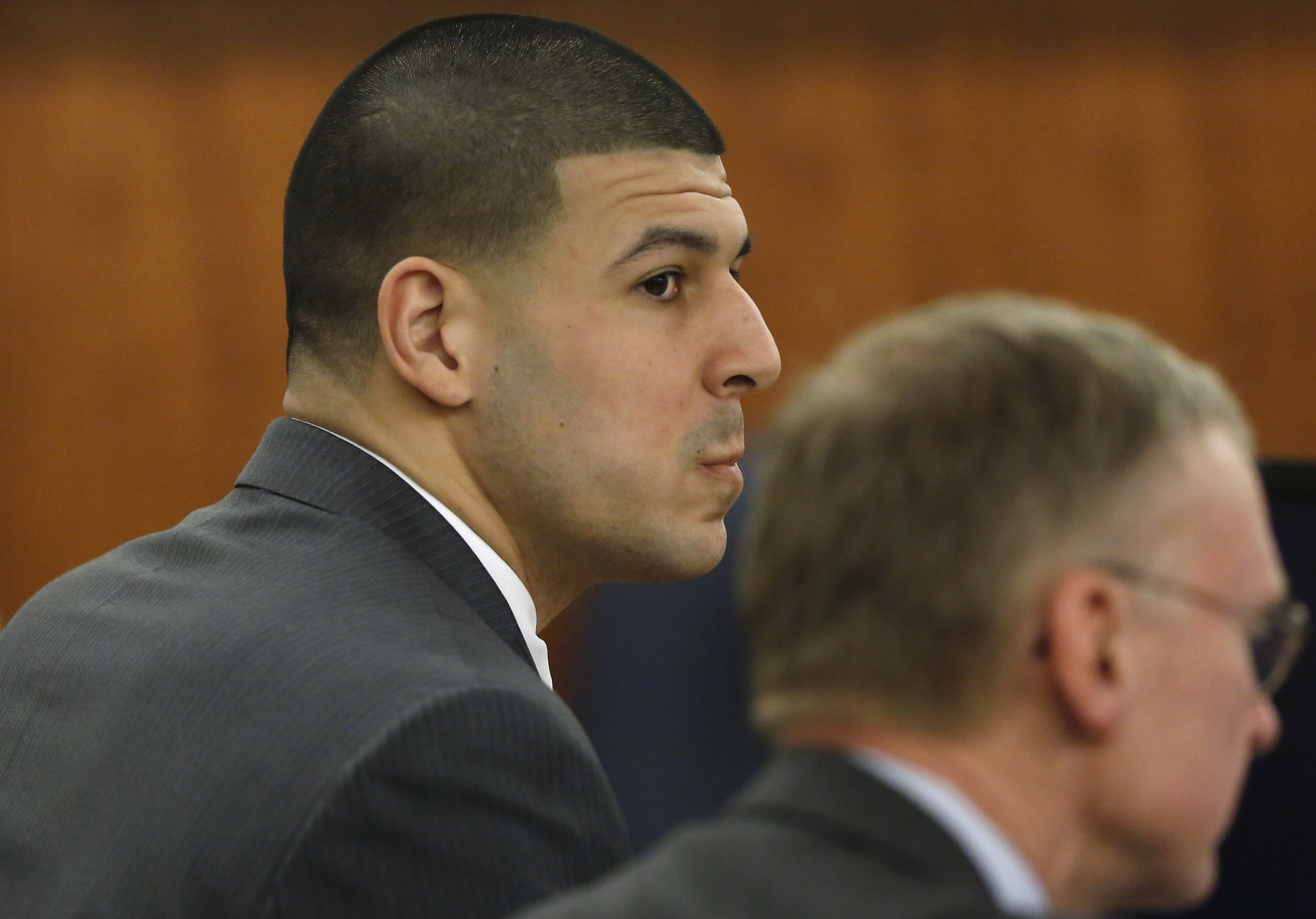 Fiancee of ex-NFL player Hernandez due to be called in trial