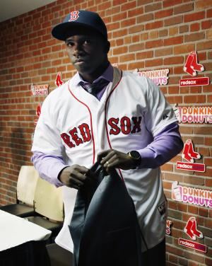 Red Sox sign Cuban outfielder to 7-year deal