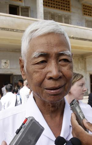 In this photo taken on Aug. 9, 2010, a Cambodian survivors, Vann Nath, 66, speaks at a press conference at Tuol Sleng genocide museum, formerly Khmer Rouge's notorious S-21 prison in Phnom Penh, Cambodia. Nath lapsed into a coma in late August, 2011, after developing breathing difficulties, and his daughter Vann Chan Simen says he passed away on Monday, Sept. 5. (AP Photo/Heng Sinith)