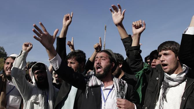 Afghan students of Nangarhar University chant slogans against Israel's recent offensive in Gaza, on the outskirts of Jalalabad, east of Kabul, Afghanistan, Monday, Nov 26, 2012. (AP Photo/Rahmat Gul)