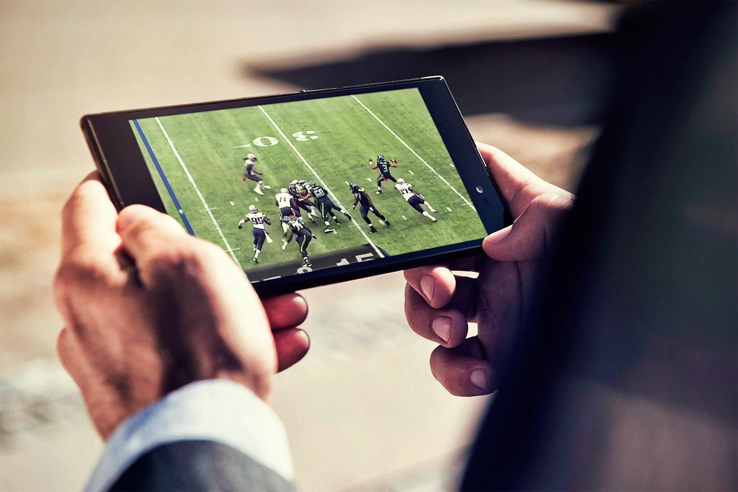 Tackle Super Bowl 50 with these super apps