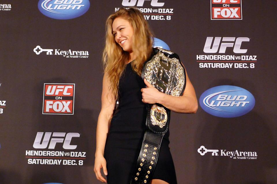 Ronda Rousey makes historic UFC debut in Anaheim