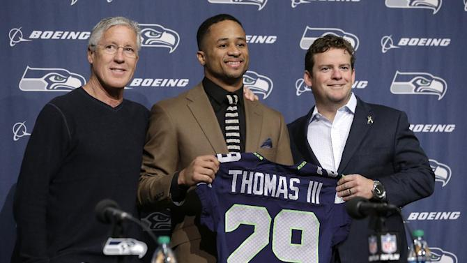 Seattle announces extension with Earl Thomas