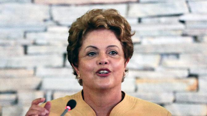 Brazilian President Dilma Rousseff speaks during a cabinet meeting at the official residence Granja do Torto in Brasilia, on January 27, 2015