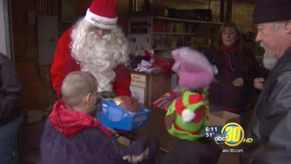 Fresno Harley Davidson dealership hands out gifts