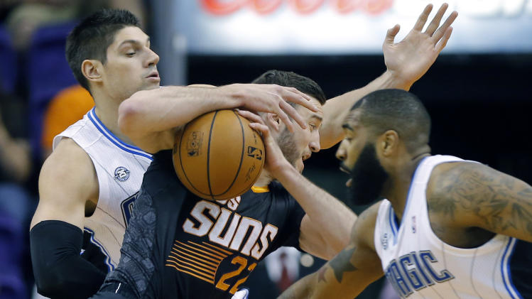 Big 2nd-half run lifts Suns past Magic, 109-93