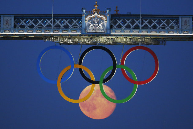 Moon makes 6th Olympic ring