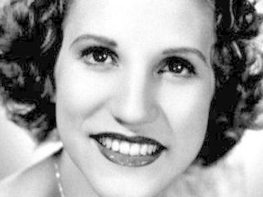Patty Andrews, of Andrews Sisters, Dies at 94