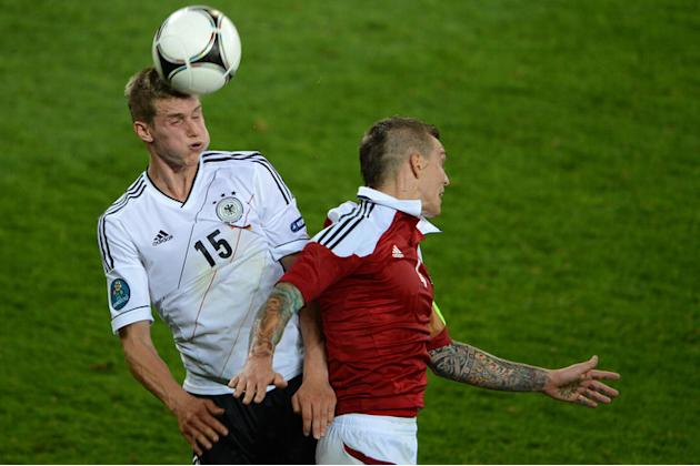 Danish Defender Daniel Agger (R) Vies AFP/Getty Images